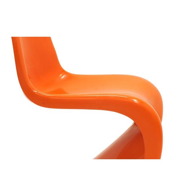 Orange Set of Seven Orange Verner Panton S Chairs, Early Herman Miller Production For Sale - Image 8 of 10