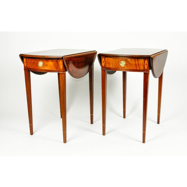American Classical Antique Cherry and Satinwood Banded Pembroke Side Tables - a Pair For Sale - Image 3 of 13