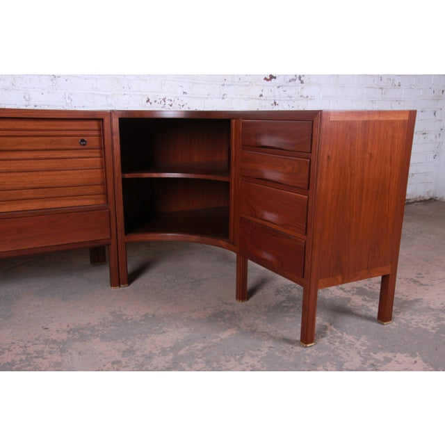1950s 1950s Edward Wormley for Dunbar Curved Two-Piece Corner Credenza For Sale - Image 5 of 13