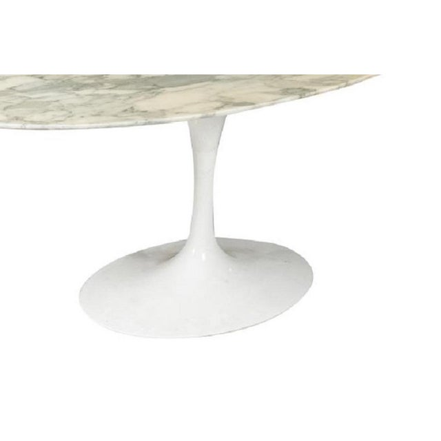 Mid-Century Modern Carrara Marble Top Dining Table by Eero Saarinen For Sale - Image 3 of 5