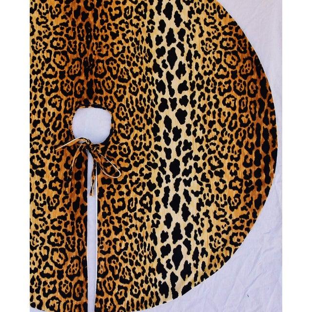 """Black X-Large 55"""" Custom-Tailored Leopard Velvet Christmas Tree Skirt For Sale - Image 8 of 10"""
