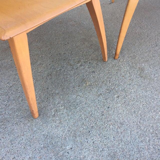 Pair of Heywood-Wakefield Champagne Blonde Saber Leg Side Tables - Image 7 of 11