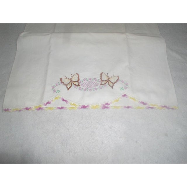 Hand Embroidered Pillow Cases 1940s - A Pair - Image 4 of 7