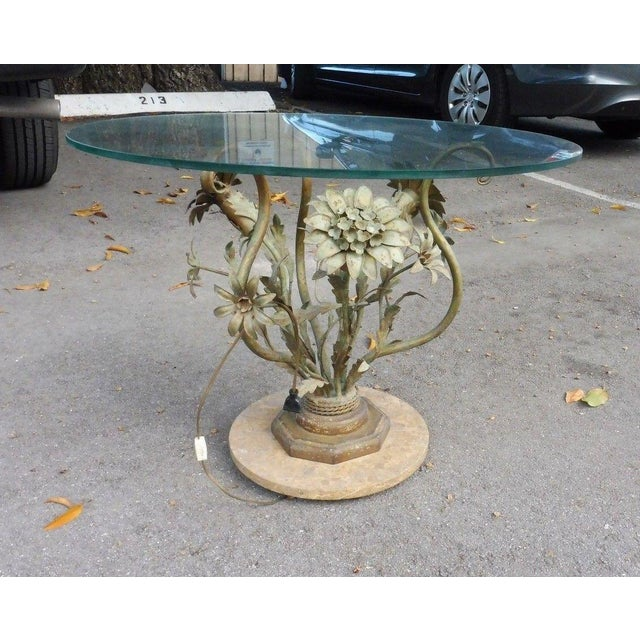 Lights 1960's Vintage Italian Hollywood Regency Tole Flowers Table For Sale - Image 7 of 7