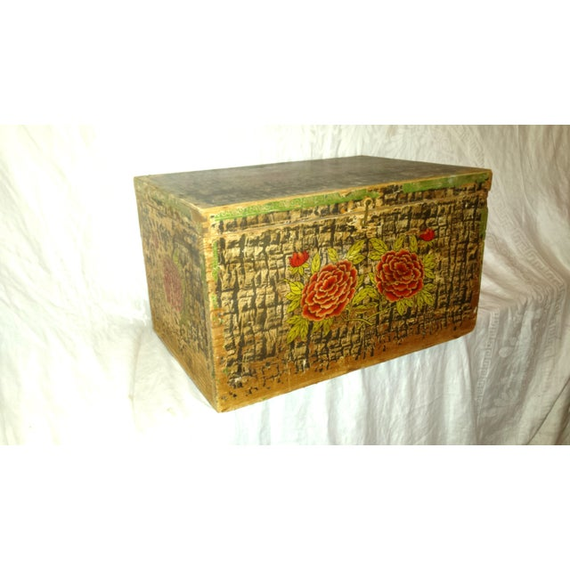 Lg. Victorian Fruit and Nut Delivery Box Victorian Wooden Box or Trunk tin lined. Green with black and Red Dahlias and...