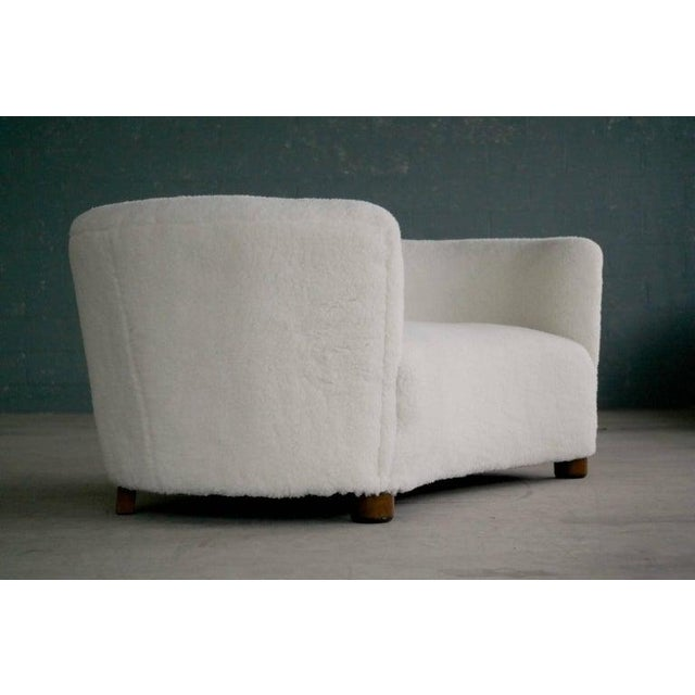 1940s Banana Shape Sofa in Lambswool Attributed to Viggo Boesen For Sale - Image 5 of 10