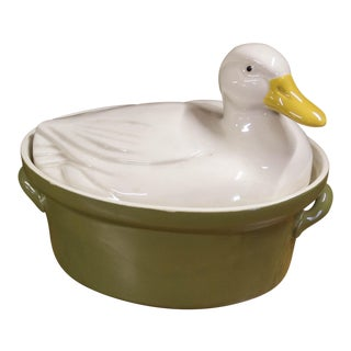 Cottage Duck Country Lodge Serving Cookware