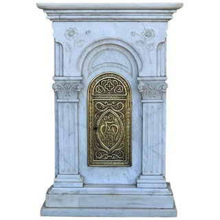 """19th Century Carved Carrara Marble and Bronze Monstrance for Custody """"Sanctuary"""" For Sale"""