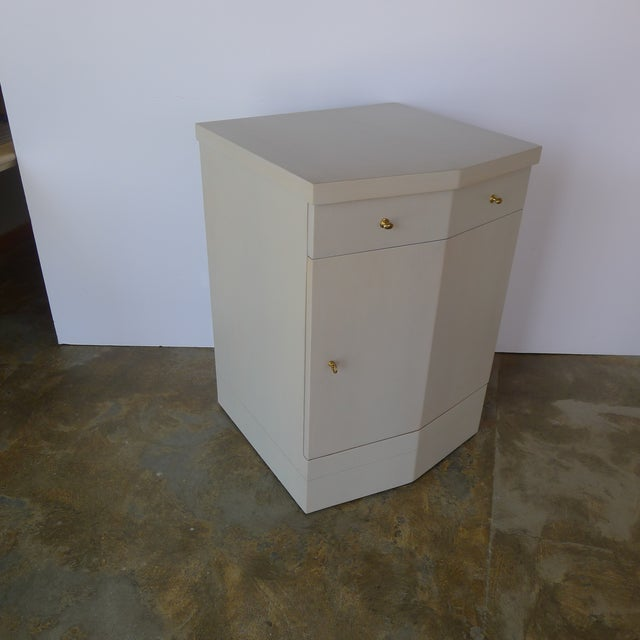 2010s Customizable Paul Marra Pinnacle Nightstand in Gray Wash Over Douglas Fir For Sale - Image 5 of 9