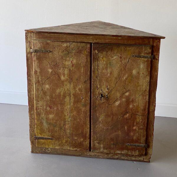 Wood 19th Century Painted Corner Cabinet For Sale - Image 7 of 10