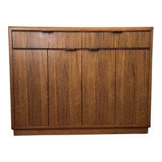 Mid-Century Modern Drexel Expandable Dry Bar Cabinet Server For Sale