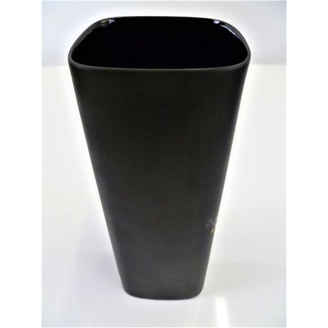 Ceramic 1960s Modern Tapio Wirkkala Porcelaine Noire Vessel for Rosenthal in Matte Black and Gold For Sale - Image 7 of 12