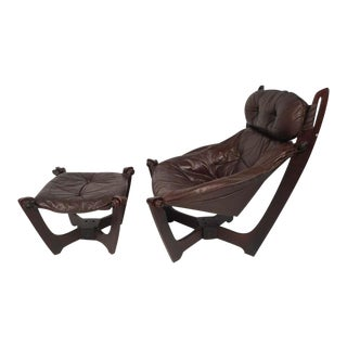 Mid-Century Modern Lounge Chair and Ottoman For Sale