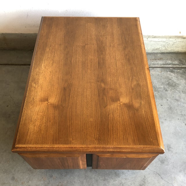 Milo Baughman 1950s Mid Century Modern Walnut Dillingham Night Stand For Sale - Image 4 of 5