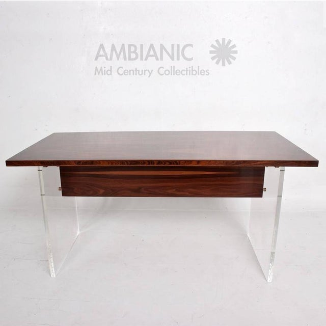 1980s Mid-Century Modern Rosewood and Lucite Table For Sale - Image 5 of 10