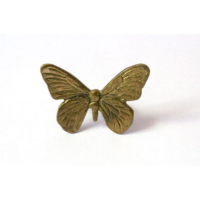 Vintage Mid-Century Brass Butterfly Napkin Rings - Set of 4 For Sale - Image 4 of 9