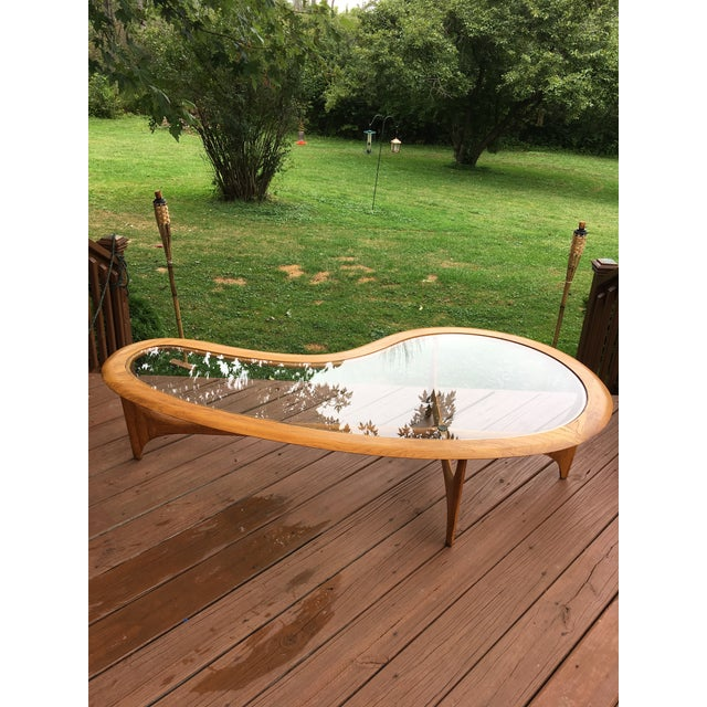 This table is in solid sturdy condition in beautiful condition no major issues and slim to none minor issues that I see....