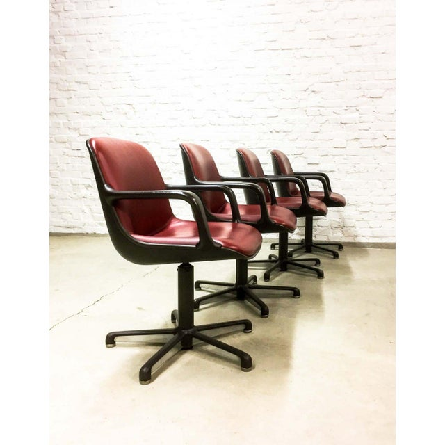 1980s Set of 8 Mid-Century Burgundy Red Leather Executive Chairs by Comforto For Sale - Image 5 of 11
