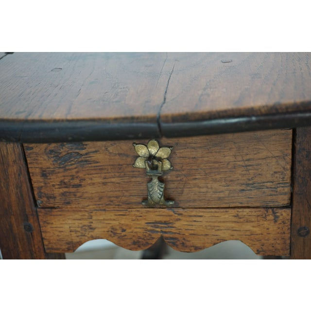 18th Century English Oak Drop Leaf Gateleg Table For Sale - Image 5 of 13