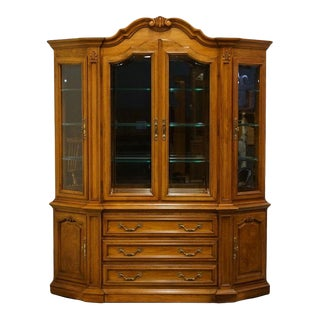 "Thomasville Furniture Pageantry Collection 69"" China Cabinet For Sale"