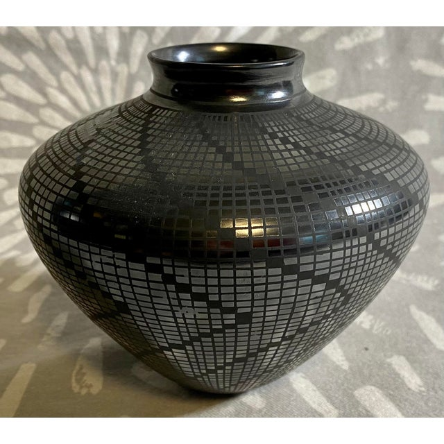 1950s Carolina Marin Gonzalez Black on Black Studio Pottery Vase For Sale - Image 11 of 11