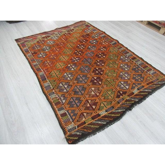 "Vintage Embroidered Turkish Kilim Rug - 5'6"" x 7'1"" For Sale - Image 4 of 6"