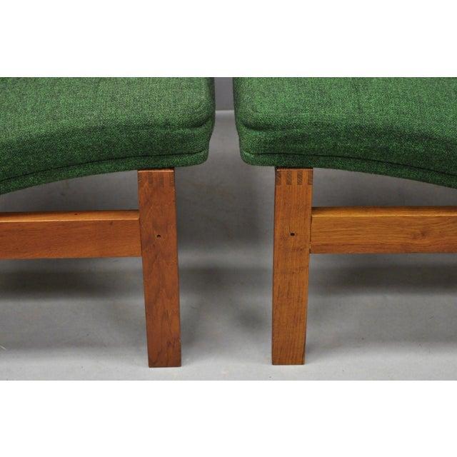 1960s Vintage Gjerlov Knudsen Torben Lind France & Son Green Teak Moduline Slipper Chairs- A Pair For Sale In Philadelphia - Image 6 of 11