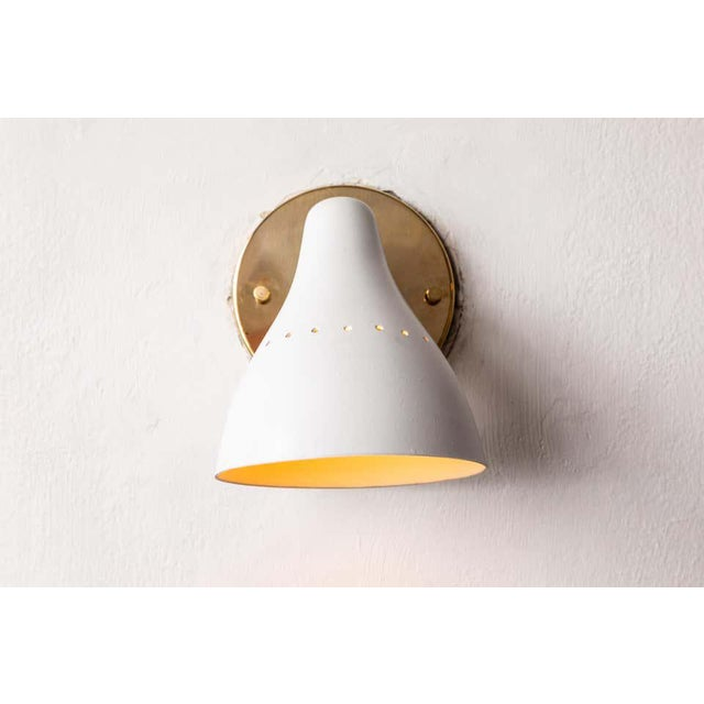 Mid-Century Modern 1950s Gino Sarfatti White Articulating Sconce for Arteluce For Sale - Image 3 of 13