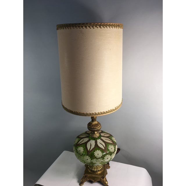 Hollywood Regency Gold & Green Glass Floral Table Lamp - Image 2 of 11