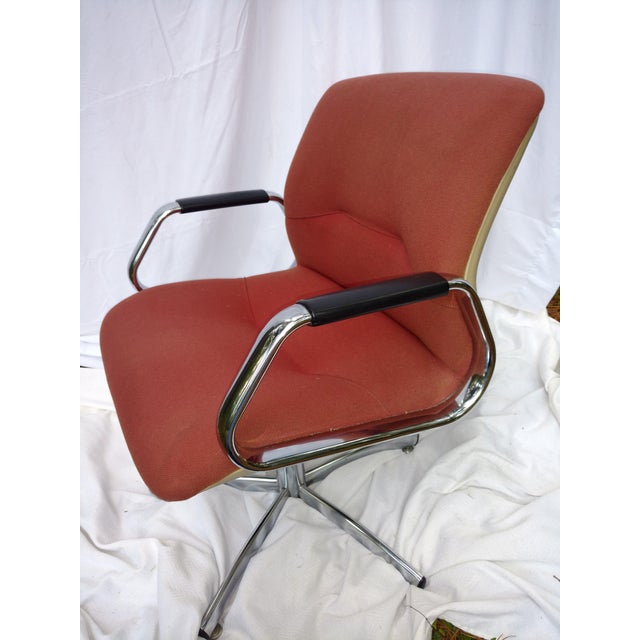 Mid-Century Modern Vintage Steelcase Office Chair For Sale - Image 3 of 6