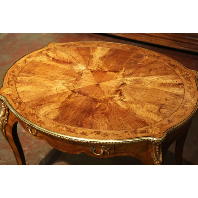 19th Century French Louis XV Oval Walnut Marquetry and Bronze Center Table For Sale - Image 4 of 13