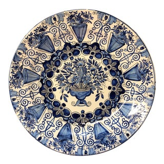 18th Century De Klaauw Dutch Delft Charger For Sale