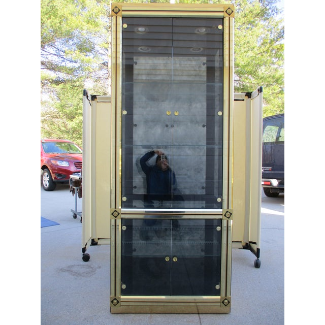Mastercraft Brass and Black Lacquer Display Case or Vitrine For Sale - Image 12 of 12