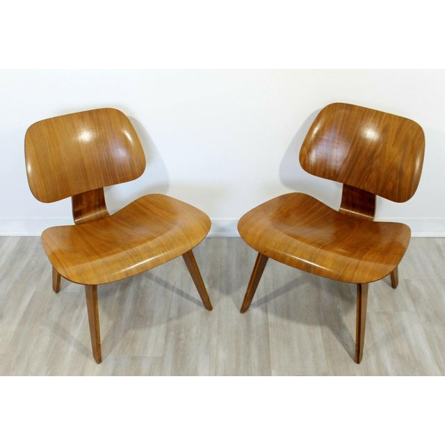 Mid-Century Modern Mid Century Modern Pair Early Rare Charles Eames Lcw Lounge Side Chairs 50s For Sale - Image 3 of 9