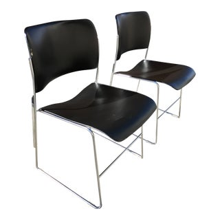 Pair of Mid-Century Modern David Rowland 40/4 Chairs For Sale