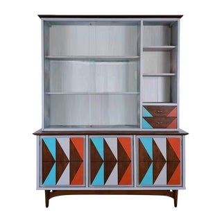 Mid-Century Modern China Cabinet For Sale