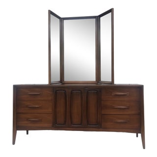 Mid-Century Modern Nine Drawer Dresser by Broyhill For Sale