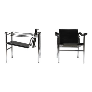 1960s Vintage Lc2 Le Corbusier Pierre Jeanneret Charlotte Perriand Chairs - a Pair For Sale