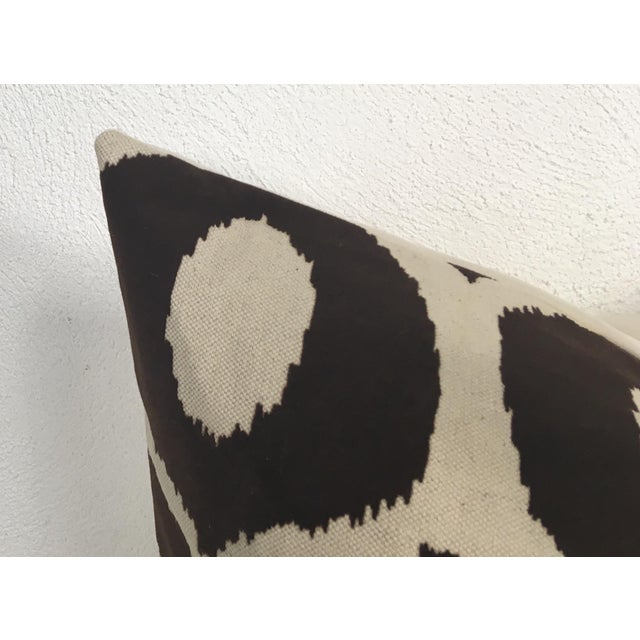 Embossed Velvet Pillows – a Pair For Sale - Image 4 of 6