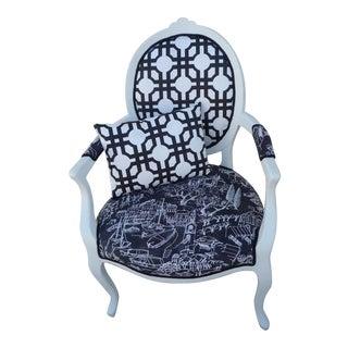 Farmhouse Black & White Armchair For Sale