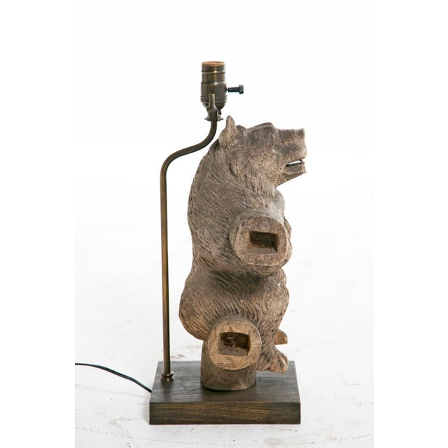 Rustic 20th Century Weathered Black Forest Bear Carving Lamp For Sale - Image 3 of 3
