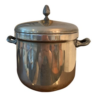 Vintage International Silver Co. Silver-Plated Ice Bucket With Lid and Plastic Liner For Sale
