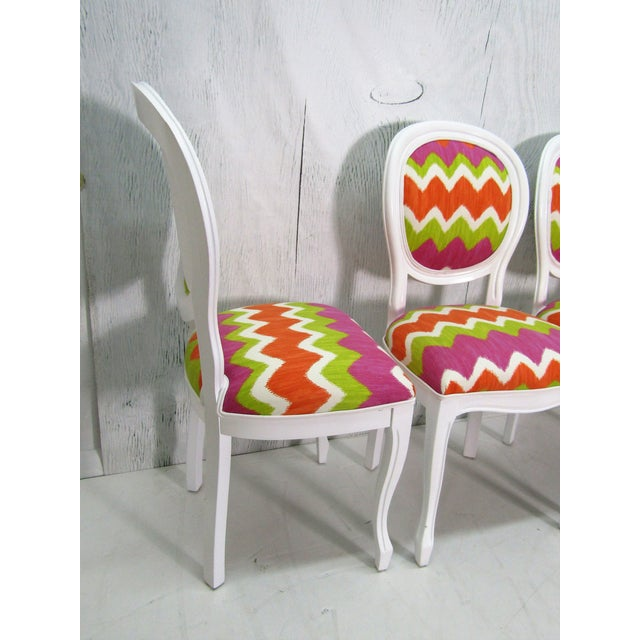 Italian Beechwood Cameo Back in White Lacquer & Colorful Upholstery, Set of 4 For Sale - Image 4 of 6