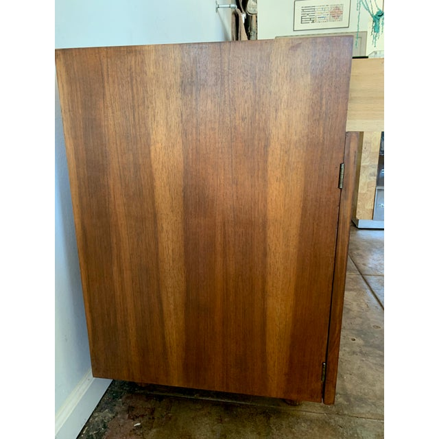 Mid-Century Modern American of Martinsville Credenza For Sale - Image 3 of 10
