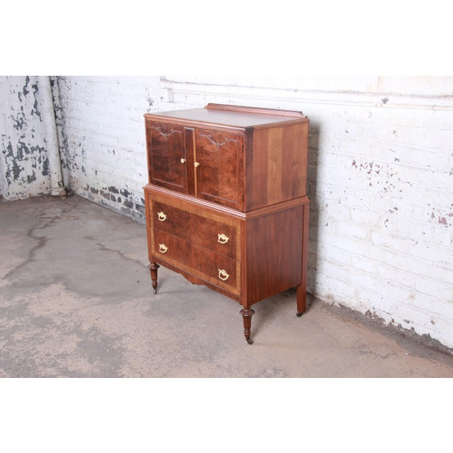 English Traditional Early Herman Miller Burled Walnut Gentleman's Chest, Circa 1920s For Sale - Image 3 of 13