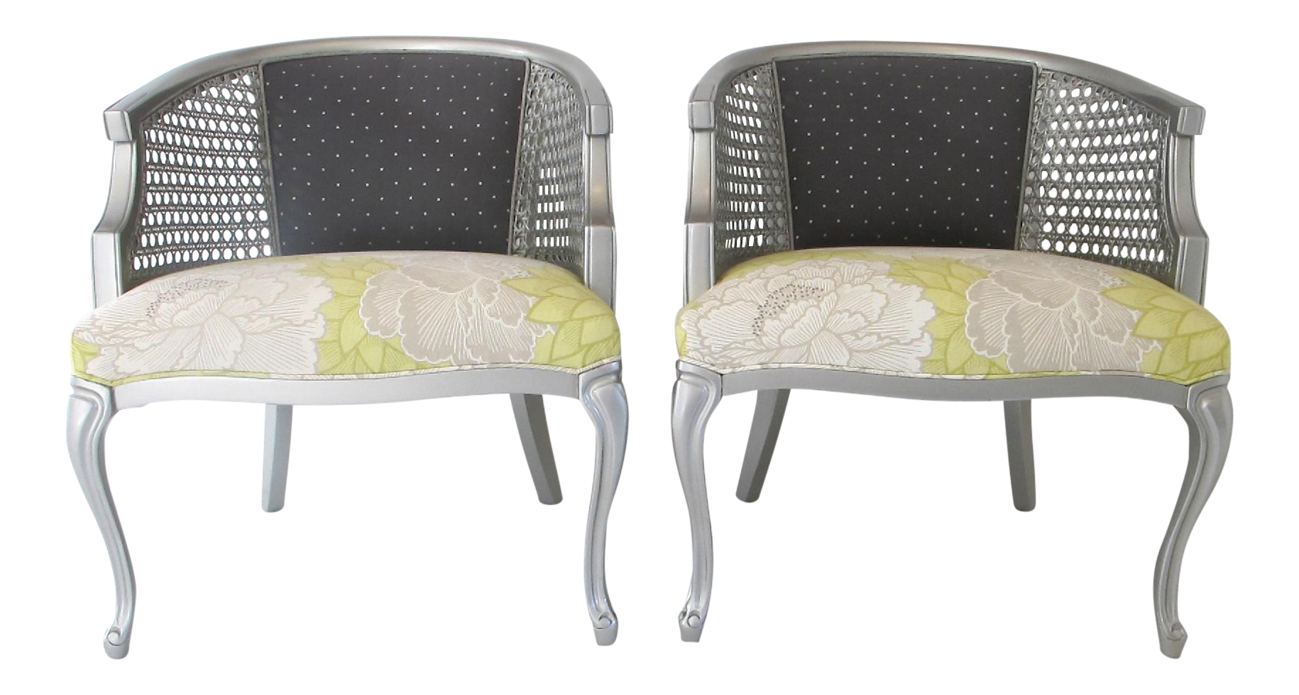 Pair Of Refurbished Vintage Queen Anne Style Club Chairs   Image 1 Of 9