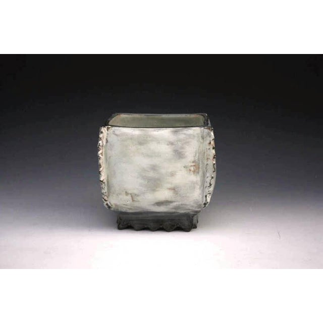 Contemporary Kang Hyo Lee, Puncheong Squared Bowl With Ash Glaze 8, Ca. 2012 For Sale - Image 3 of 3