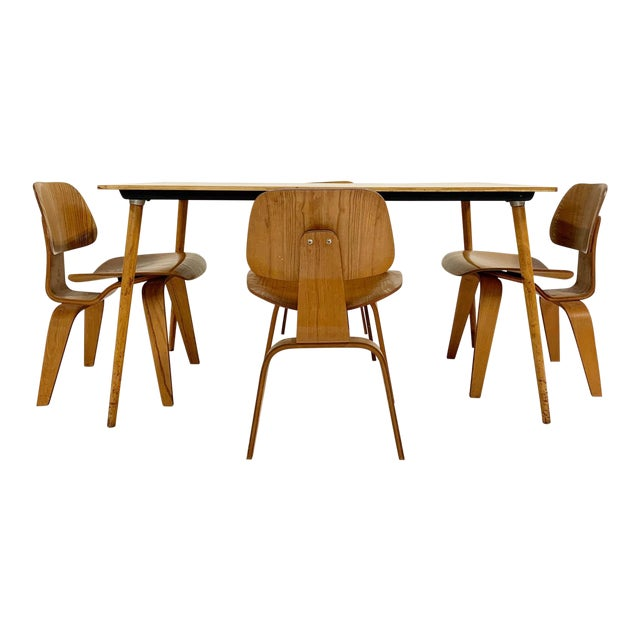 1950s Charles and Ray Eames for Herman Miller Dtw-3 Table & Dcw Dining Chairs - Set of 4 For Sale