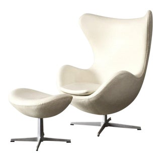 1958 Arne Jacobsen for Fritz Hansen 'Egg' Chair & Ottoman For Sale