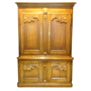 Ethan Allen Walnut Dry Bar / Cabinet For Sale